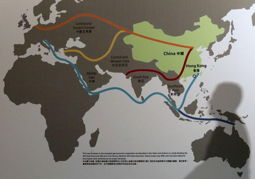 """Carte du projet de """"nouvelle route de la soie"""", Honk Kong, janvier 2016"""